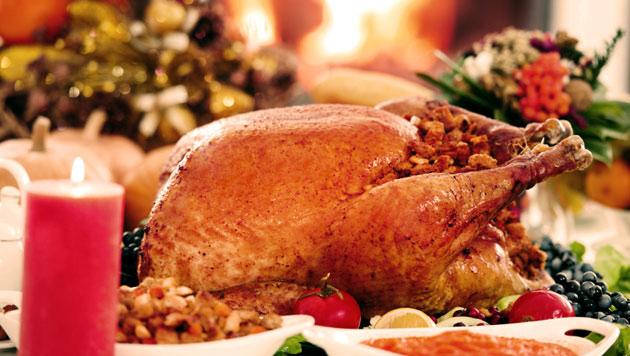 25_DGH_55987_Holiday2013_Roasting_a_Turkey